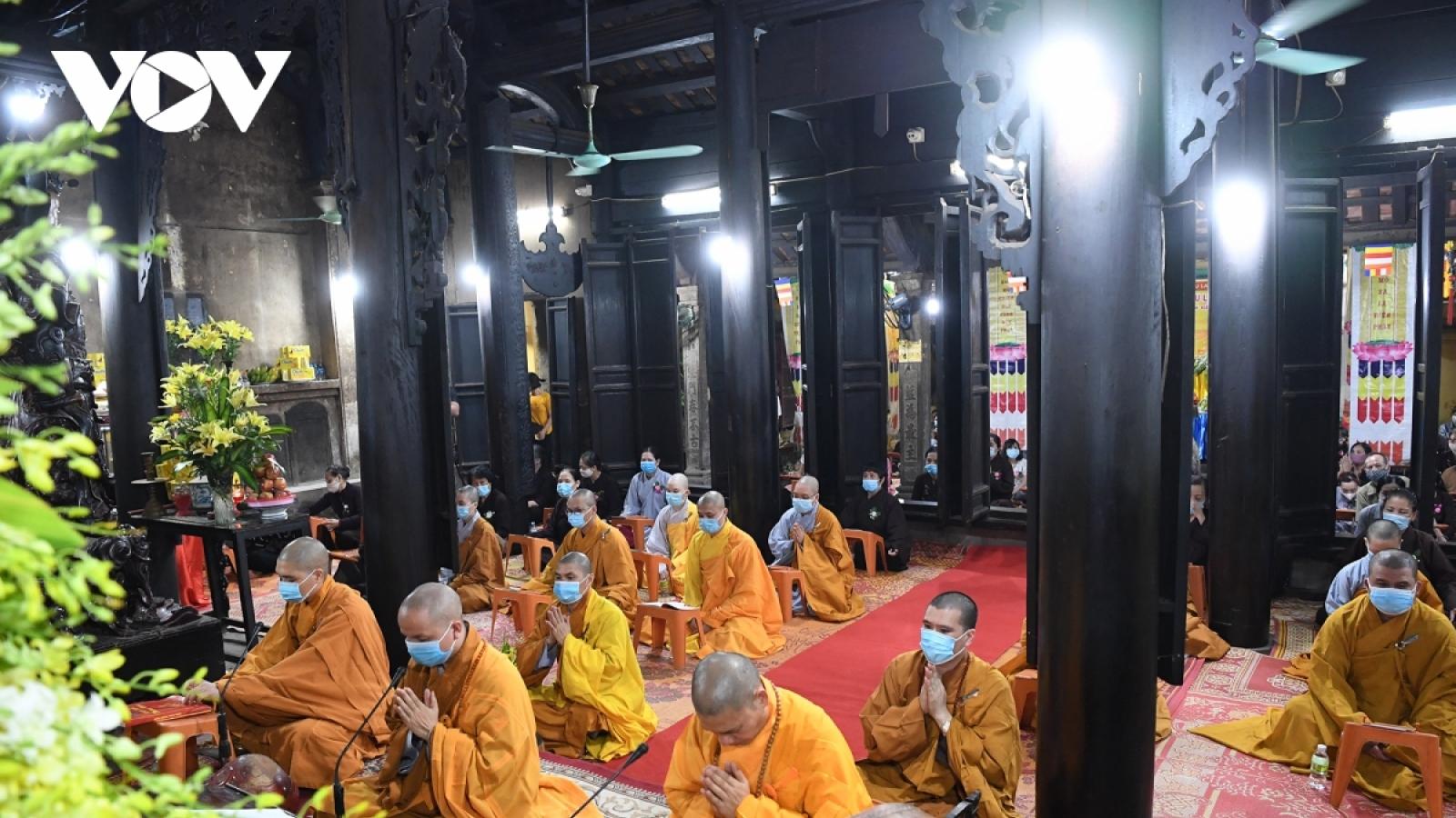 Lễ chùa, cầu an online - xu thế trong mùa dịch Covid-19