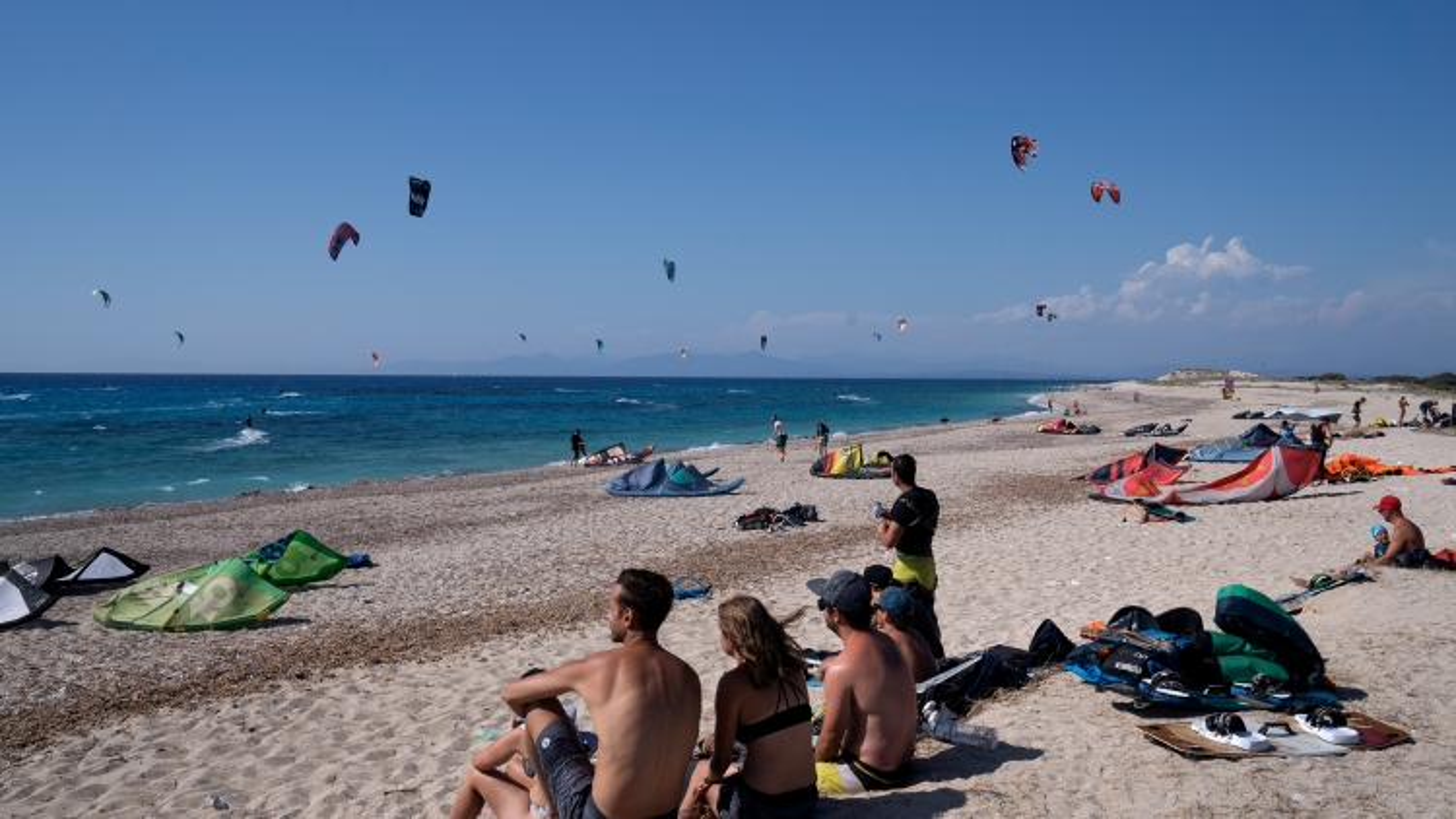 Hy Lạp mong chờ du khách trở lại vào mùa hè
