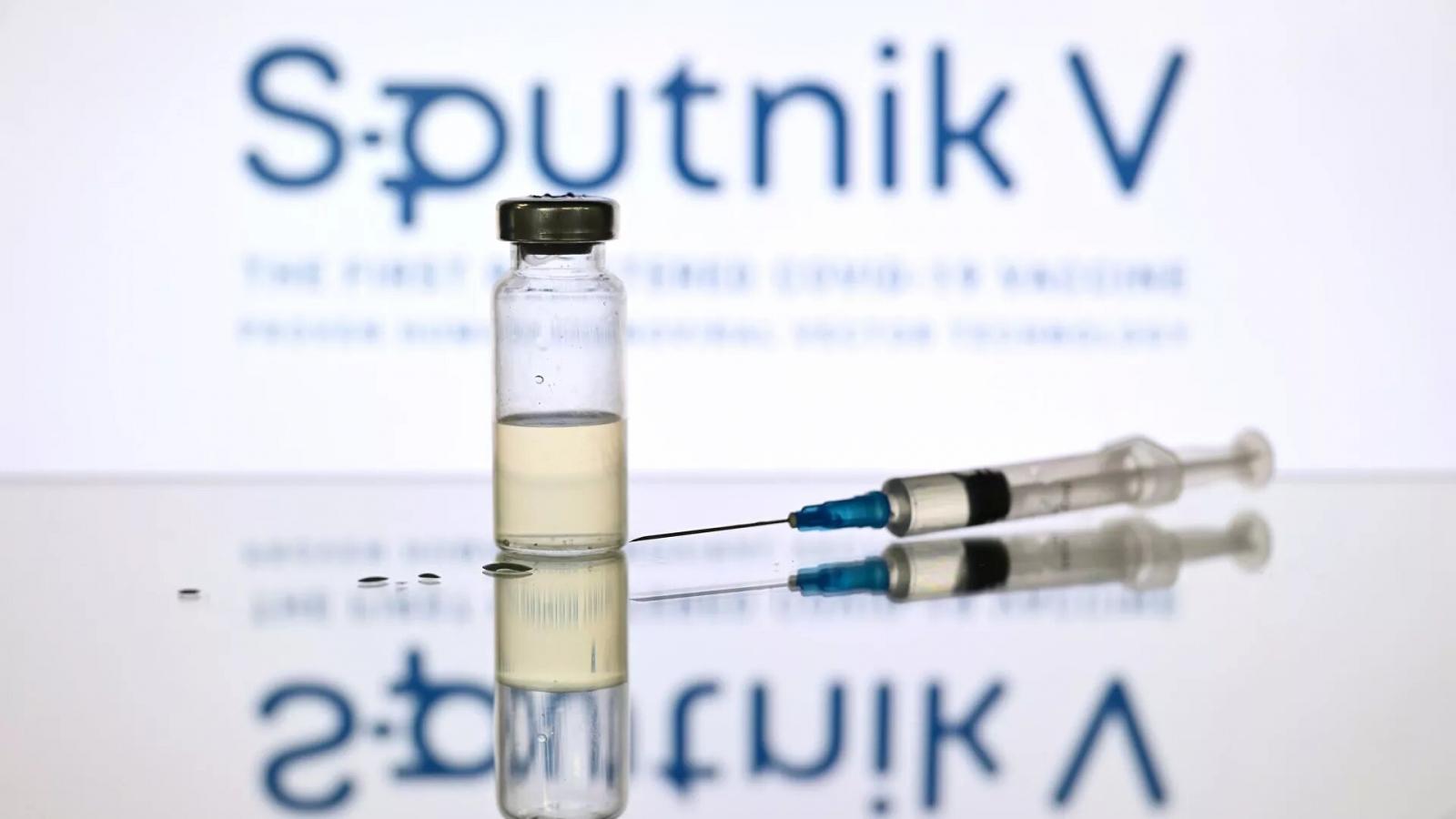"""Chính phủ Nga đã giảm một nửa giá bán tối đavaccine """"Sputnik V"""""""