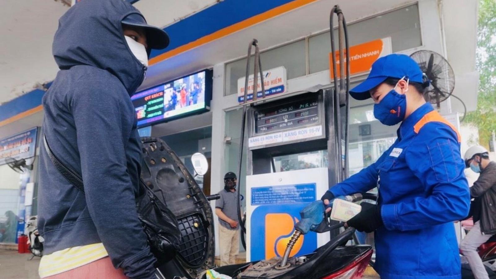 Quỹ bình ổn giá xăng dầu dư hơn 9.200 tỷ đồng