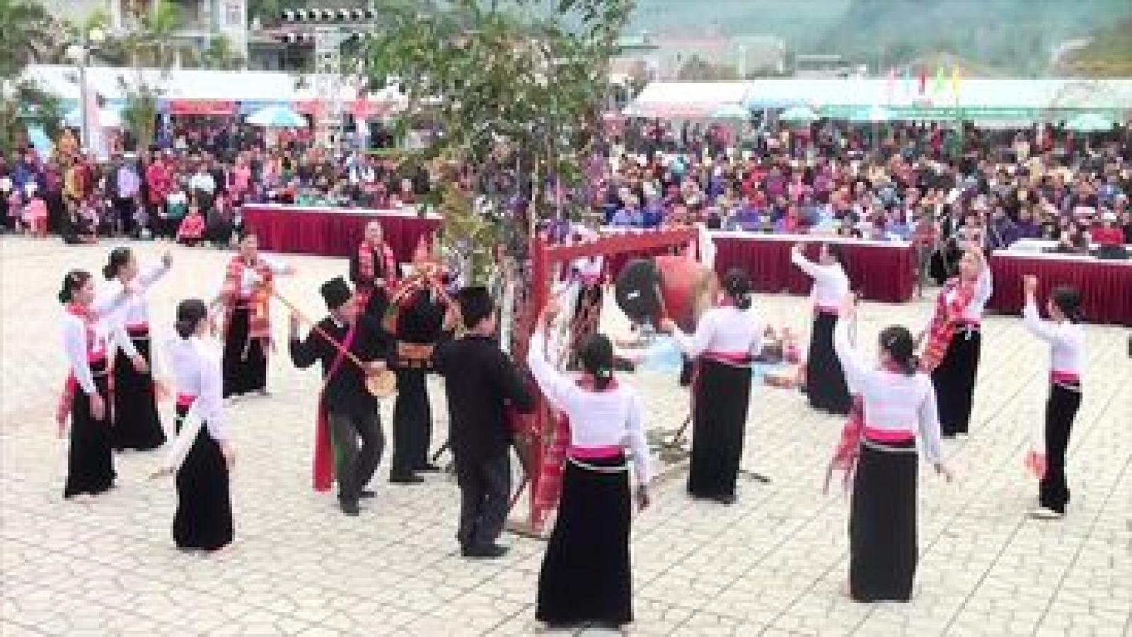 Vài nét về phong tục đón Tết người Thái trắng Quỳnh Nhai