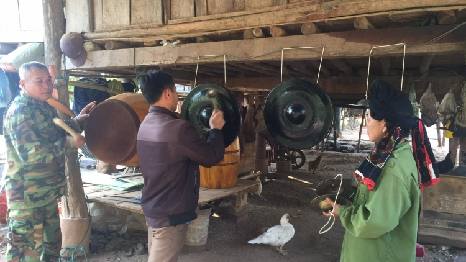 Trống chiêng - báu vật của người Thái Yên Châu