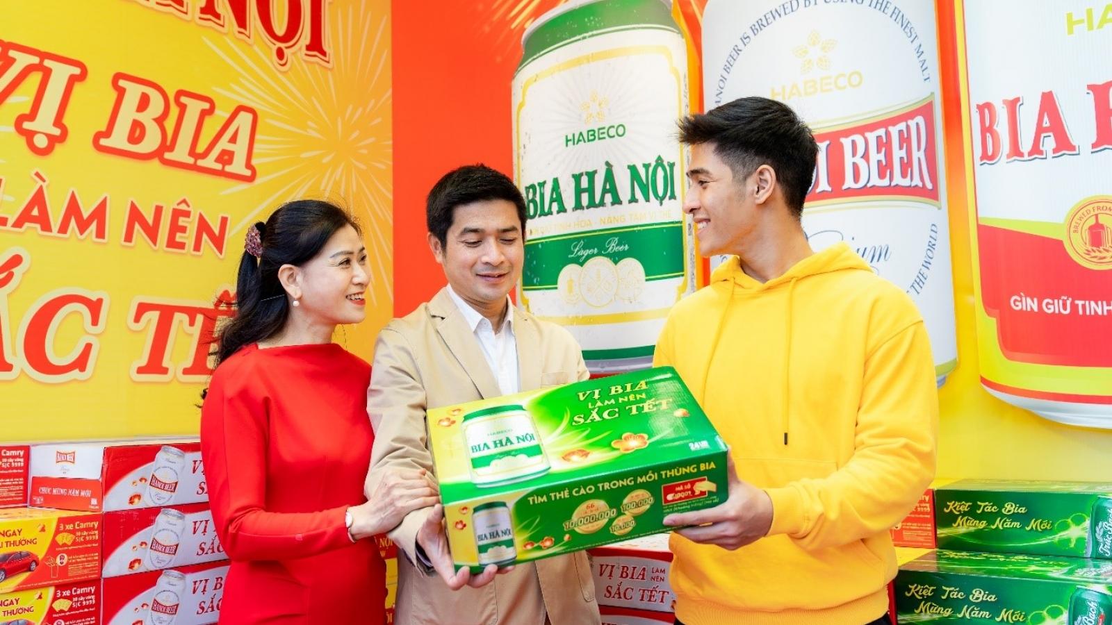 Thấy bia Hà Nội là thấy Tết - Vị bia làm nên Sắc Tết!