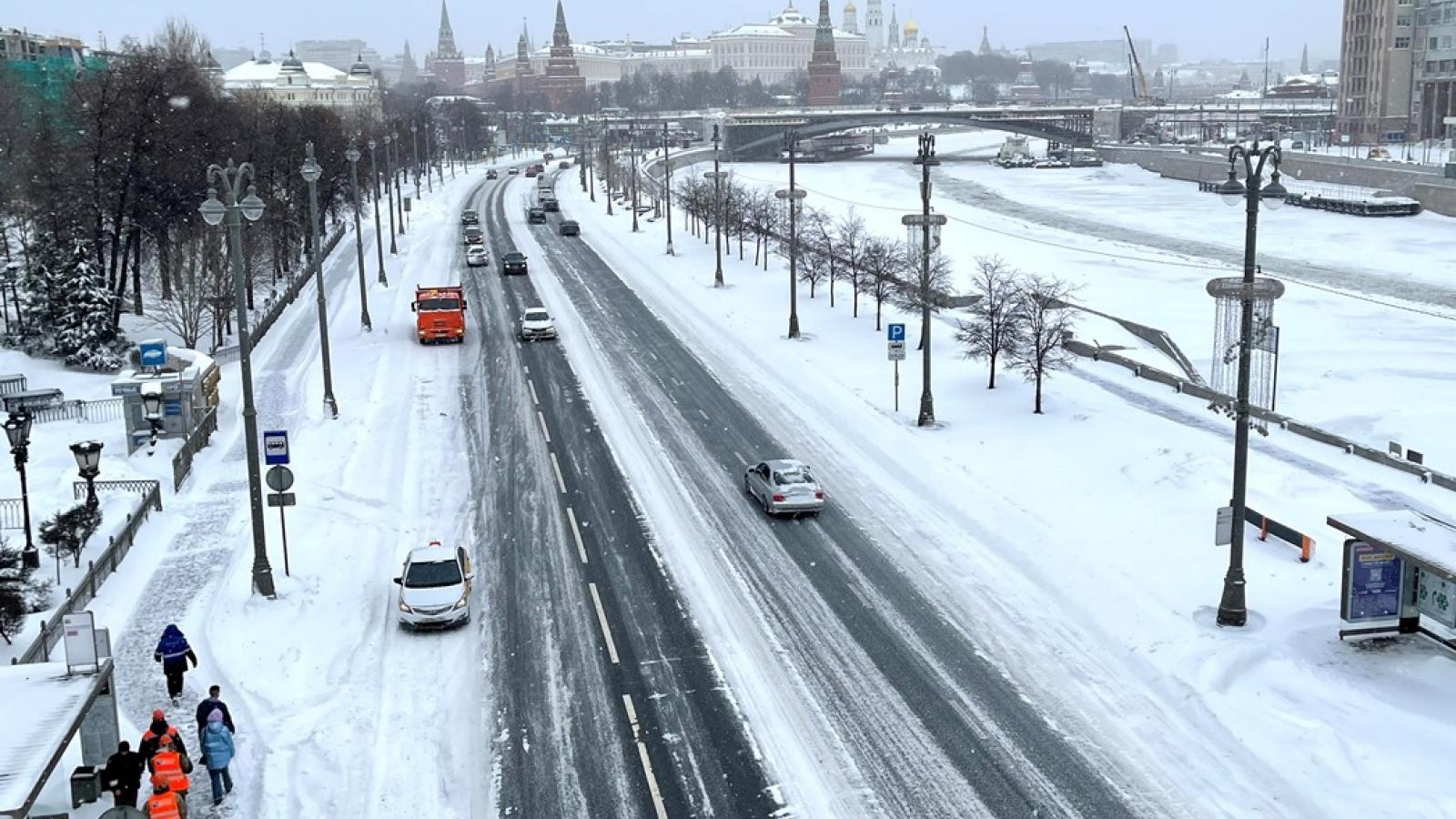Thủ đô Matxcơva- Nga chiến đấu với bão tuyết