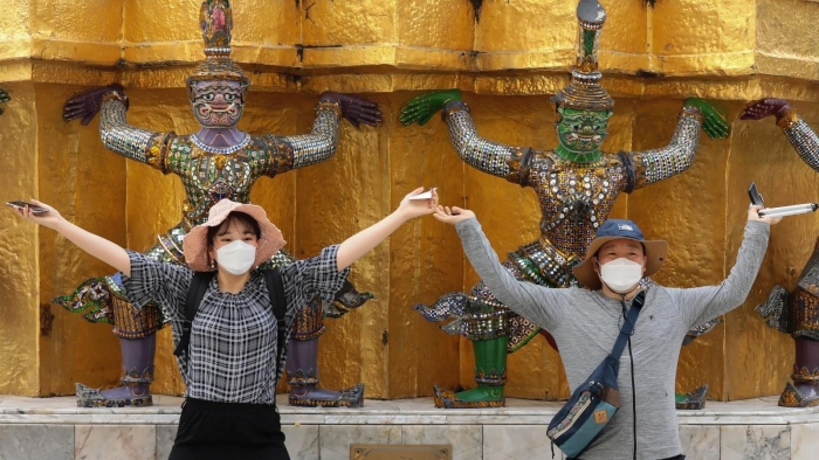 Khách du lịch tới Thái Lan giảm 99,8%