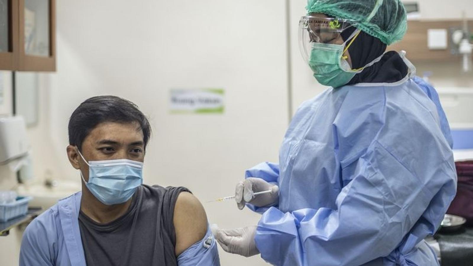 Indonesia chuẩn bị bước vào giai đoạn 2 tiêm chủng vaccine Covid-19