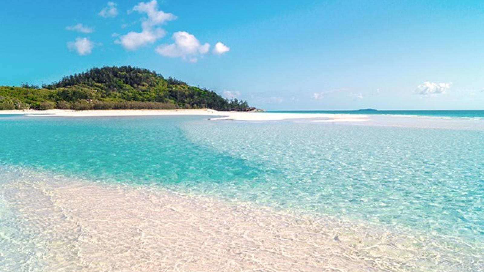 9 bãi biển đẹp bạn cần phải đến một lần