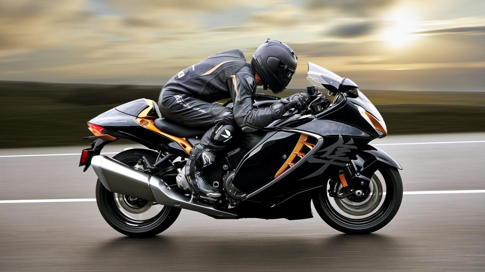 """""""Thần gió"""" Suzuki Hayabusa 2021 có tốc độ tối đa 300 km/h"""