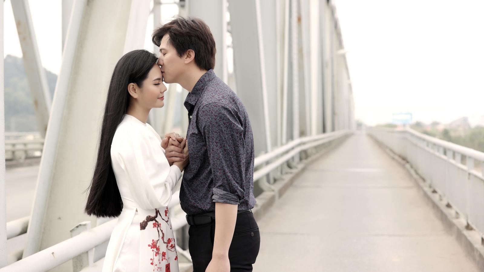 Lương Nguyệt Anh run khi đóng cảnh tình cảm với trai đẹp đã có vợ