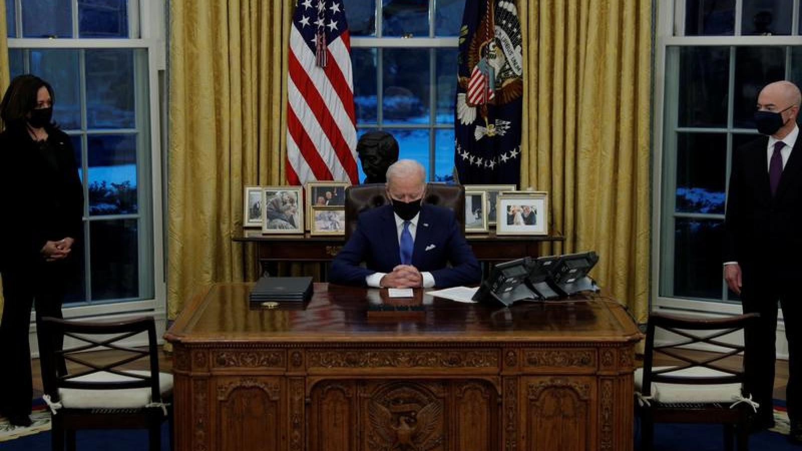 Tổng thống Mỹ Joe Biden điện đàm với lãnh đạo các nước đồng minh