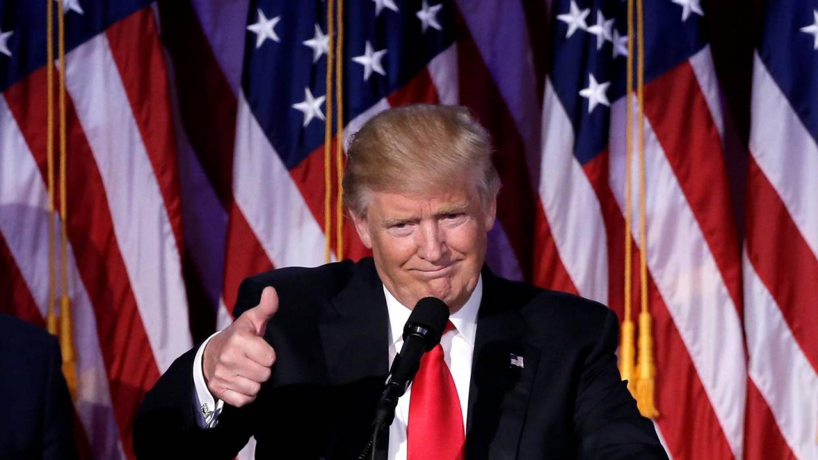 """Cựu cố vấn Nhà Trắng dự đoán ông Trump sẽ """"chiến thắng long trời lở đất"""" vào năm 2024"""