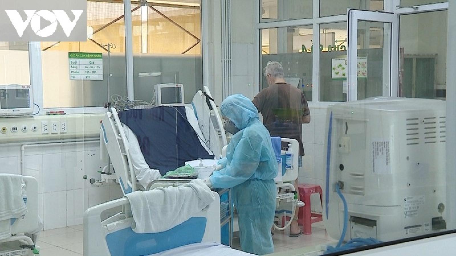 Da Nang: COVID-19 patient turns critical, relies on ECMO