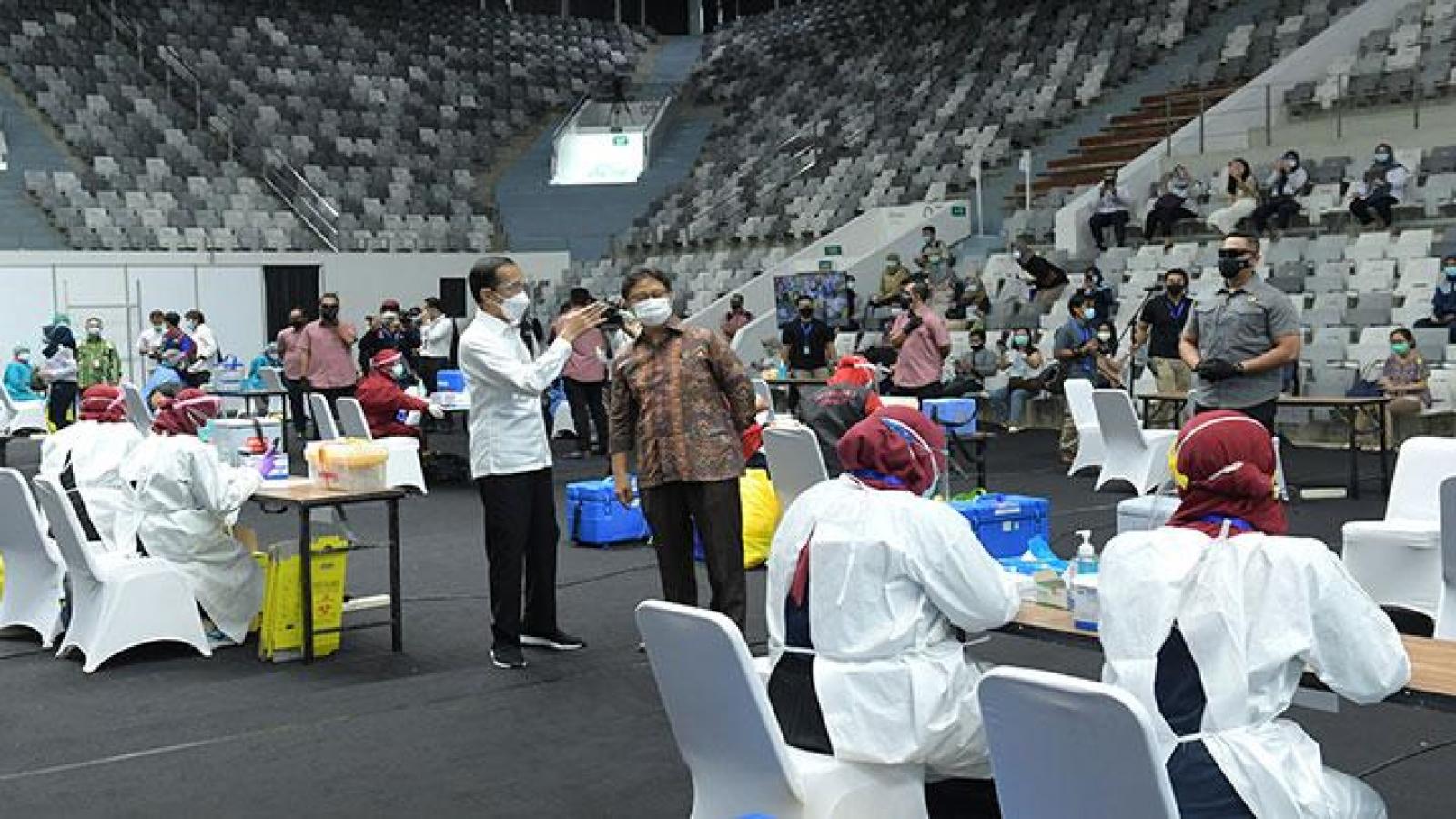 Indonesia trừng phạt người từ chối tiêm chủng vaccine Covid-19