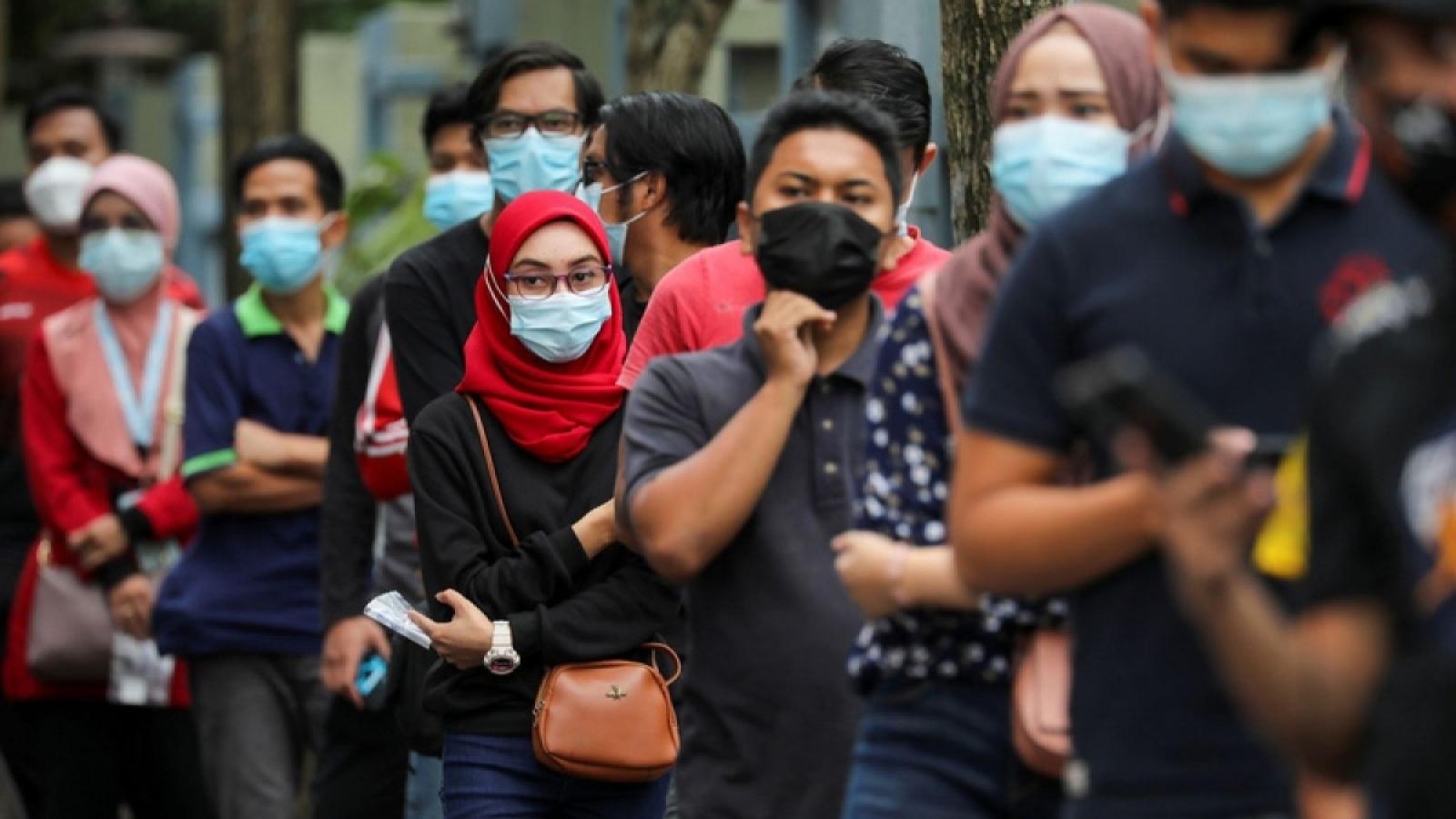 Malaysia chuẩn bị chương trình tiêm chủng vaccine Covid-19 lớn nhất lịch sử