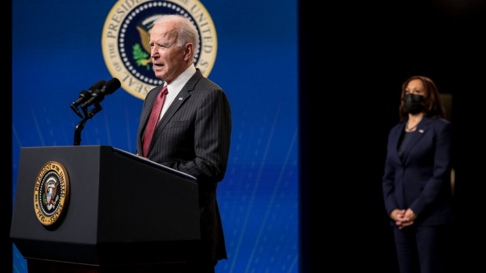 """Châu Âu muốn """"tự lực cánh sinh"""", Biden gặp khó khi đối phó với Nga - Trung"""