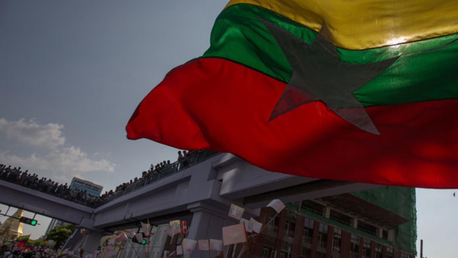Chính biến ở Myanmar: Đài phát thanh truyền hình nhà nước bị ngừng phát sóng
