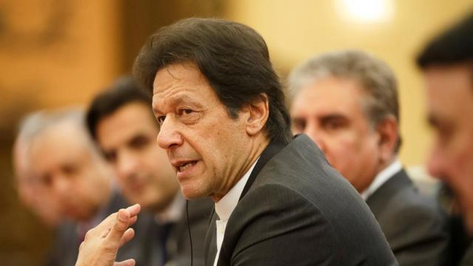 Thủ tướng Pakistan thăm Sri Lanka, ca ngợi dự án hạ tầng với Trung Quốc