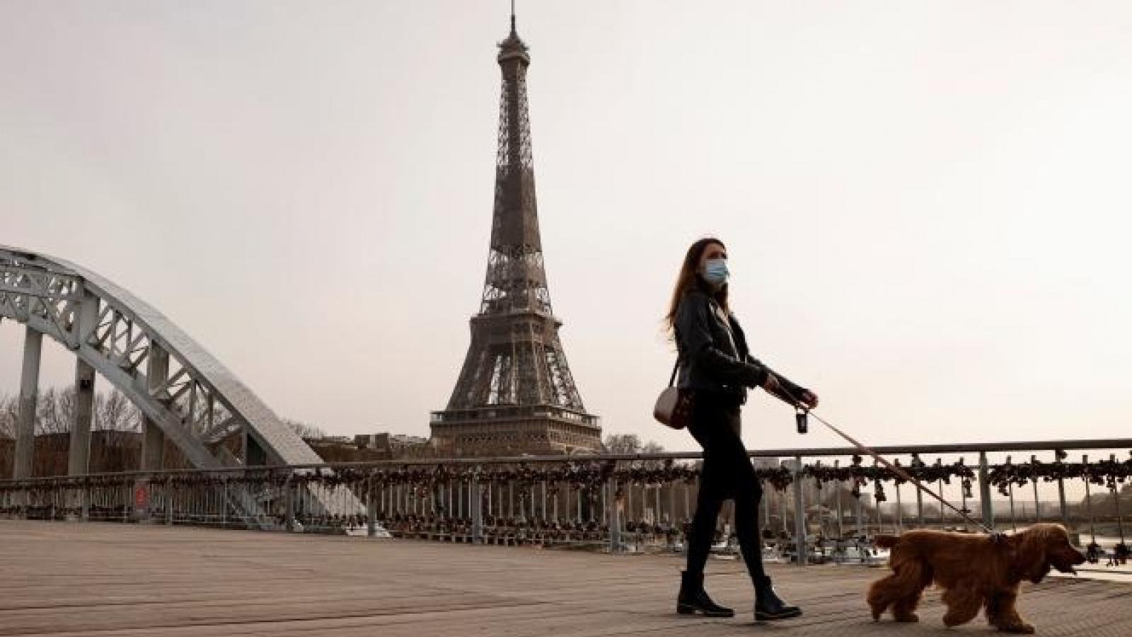 Thủ đô Paris (Pháp) đề nghị phong tỏa 3 tuần