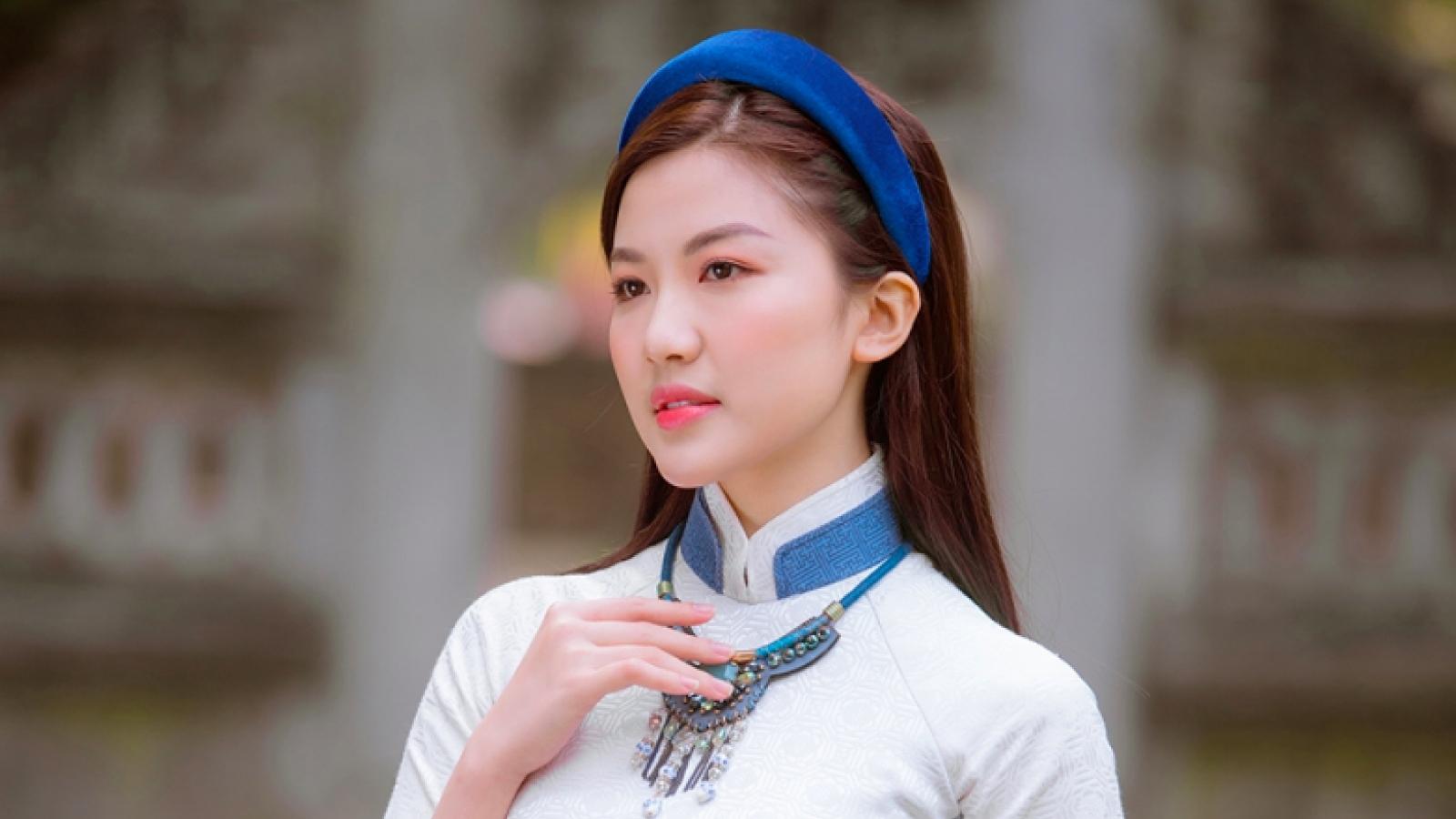 Lương Thanh khoe vẻ đẹp xuân thì trong áo dài của Ngọc Hân
