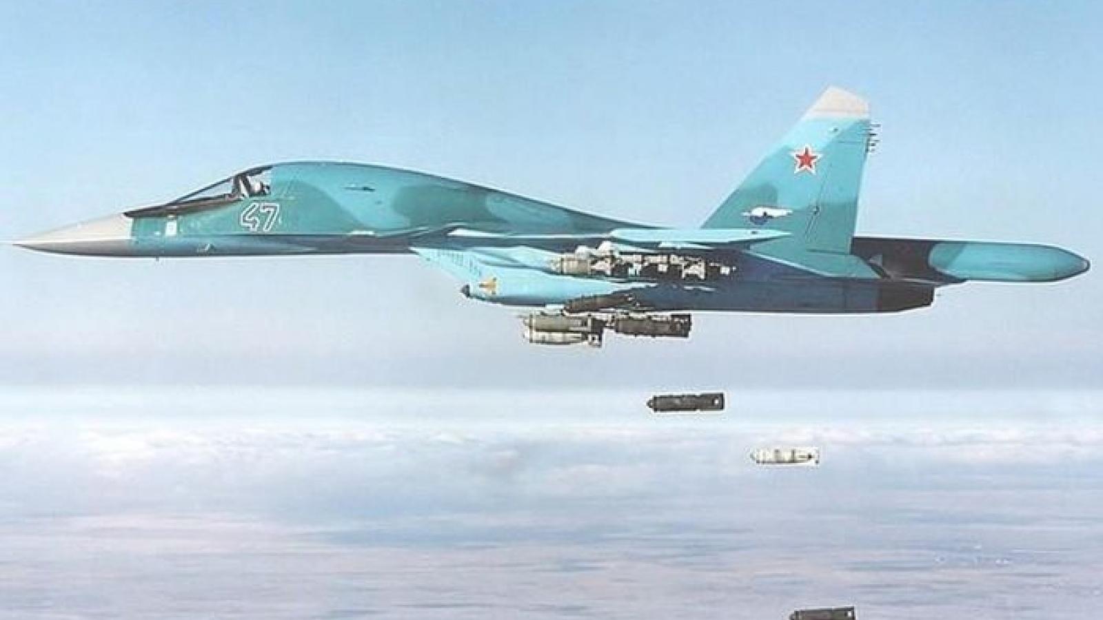 Xem phi công Su-34 Nga nhào lộn, ném bom P-50T diệt mục tiêu
