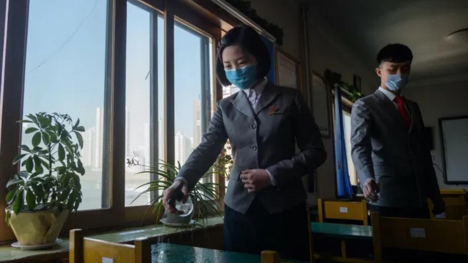 Truyền thông Triều Tiên cảnh báo nước này không được mất cảnh giác với dịch Covid-19