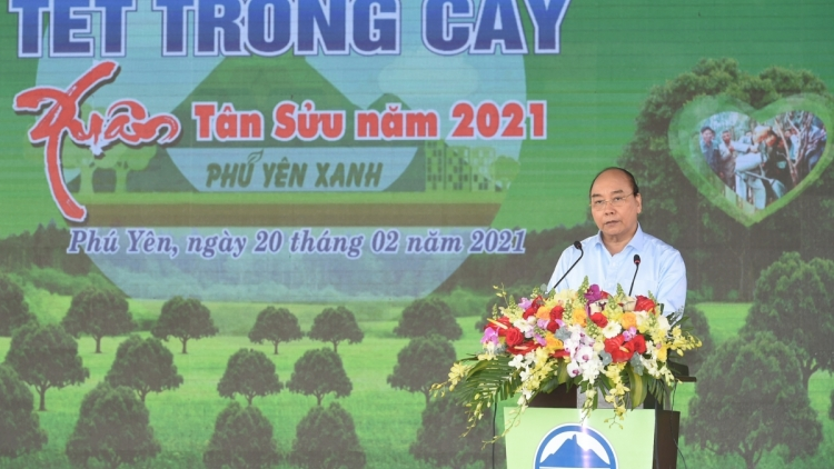 PM Phuc launches tree-planting festival in central province of Phu Yen