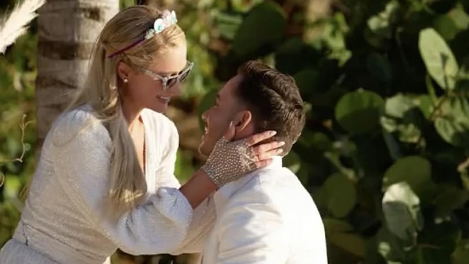 Paris Hilton được bạn trai cầu hôn đúng dịp sinh nhật lần thứ 40
