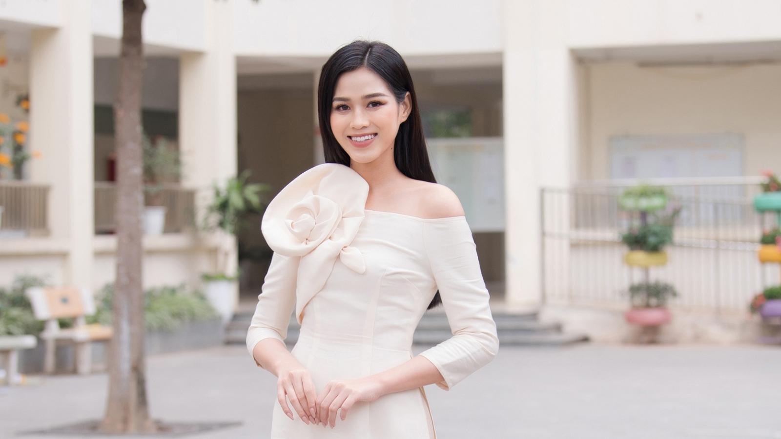 Hoa hậu Đỗ Thị Hà, Ngọc Hân, Á hậu Phương Nga...gửi lời chúc Tết độc giả