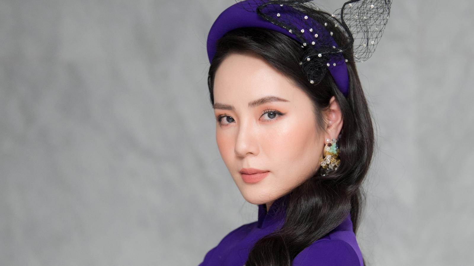 Ca sĩ Phương Linh, Phạm Thu Hà chúc Tết độc giả