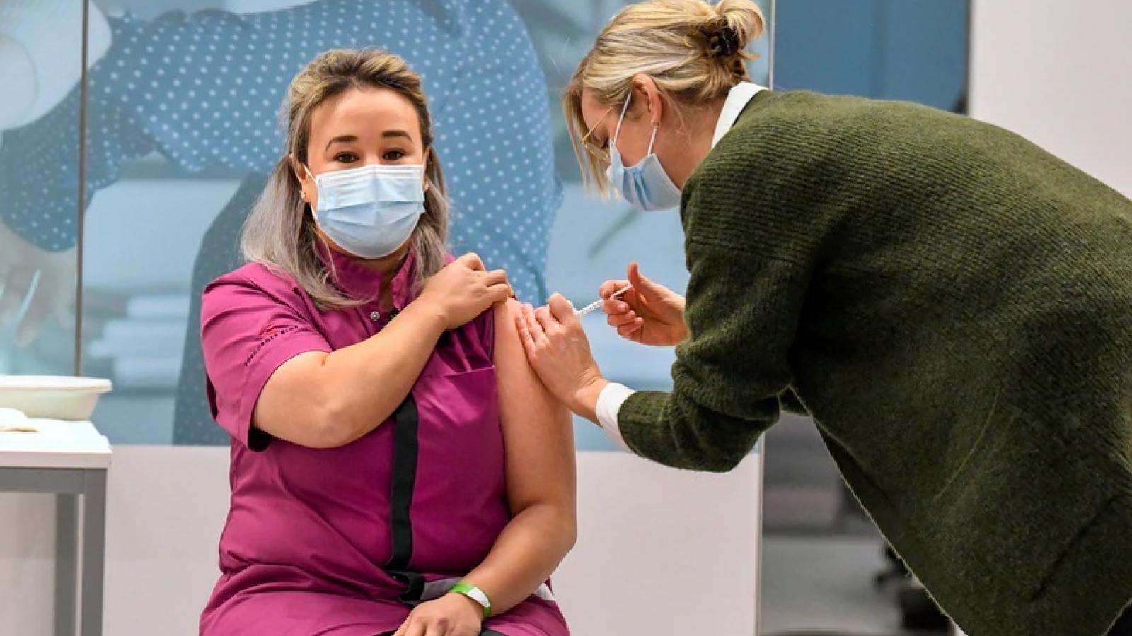 WHO: Số người được tiêm vaccine Covid-19 trên thế giới đã vượt số ca mắc