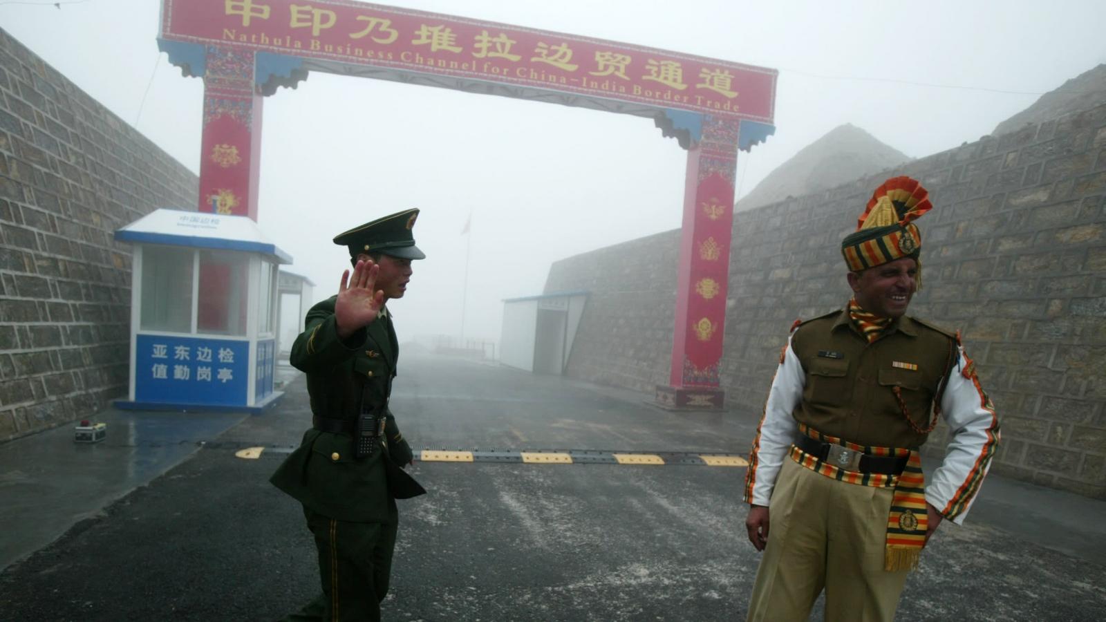 Ấn Độ và Trung Quốc bắt đầu rút quân khỏi khu vực biên giới tranh chấp