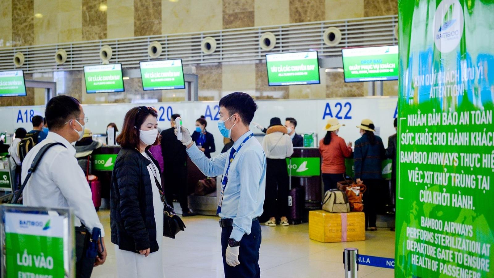 Hưởng lợi từ chính sách phòng dịch của Chính phủ, hành khách đổ xô mua vé bay giáp Tết