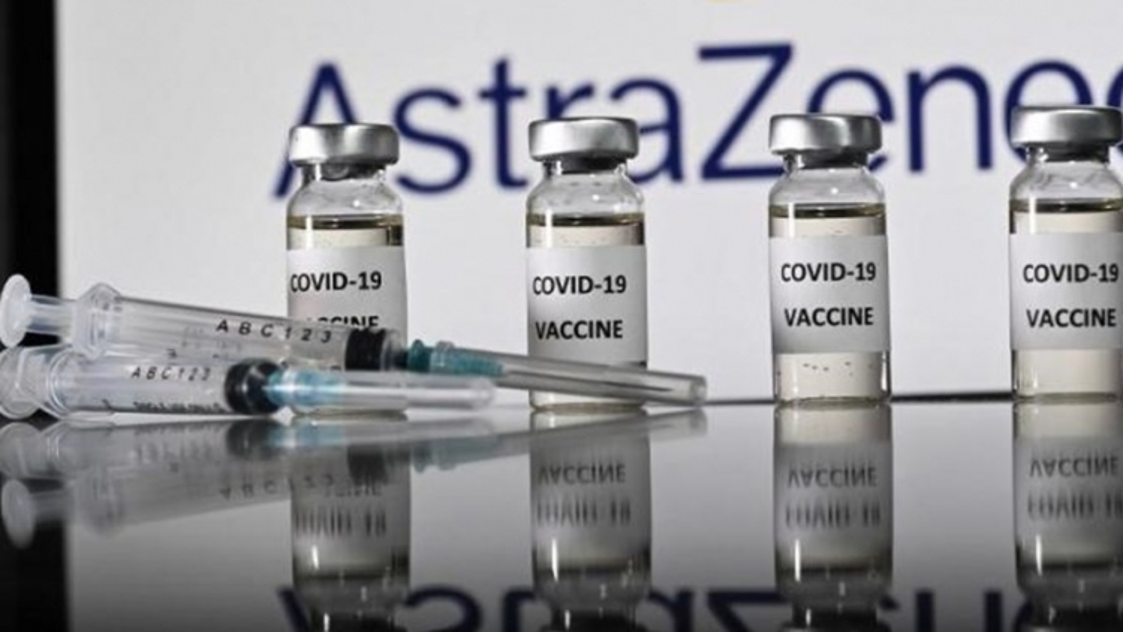 Nam Phi tiếp nhận lô vaccine ngừa Covid-19 đầu tiên giữa nỗi lo biến chủng mới