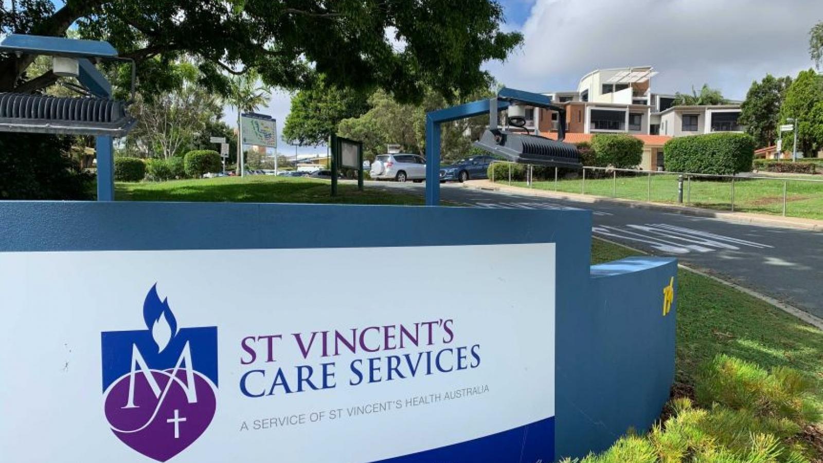 Tiêm vaccine Covid-19 quá liều, hai người Australia phải nhập viện