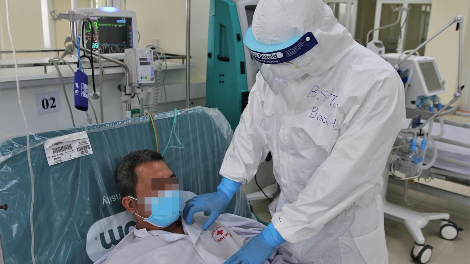 Bác sĩ 9X hai lần xông pha vào tâm dịch chống COVID-19