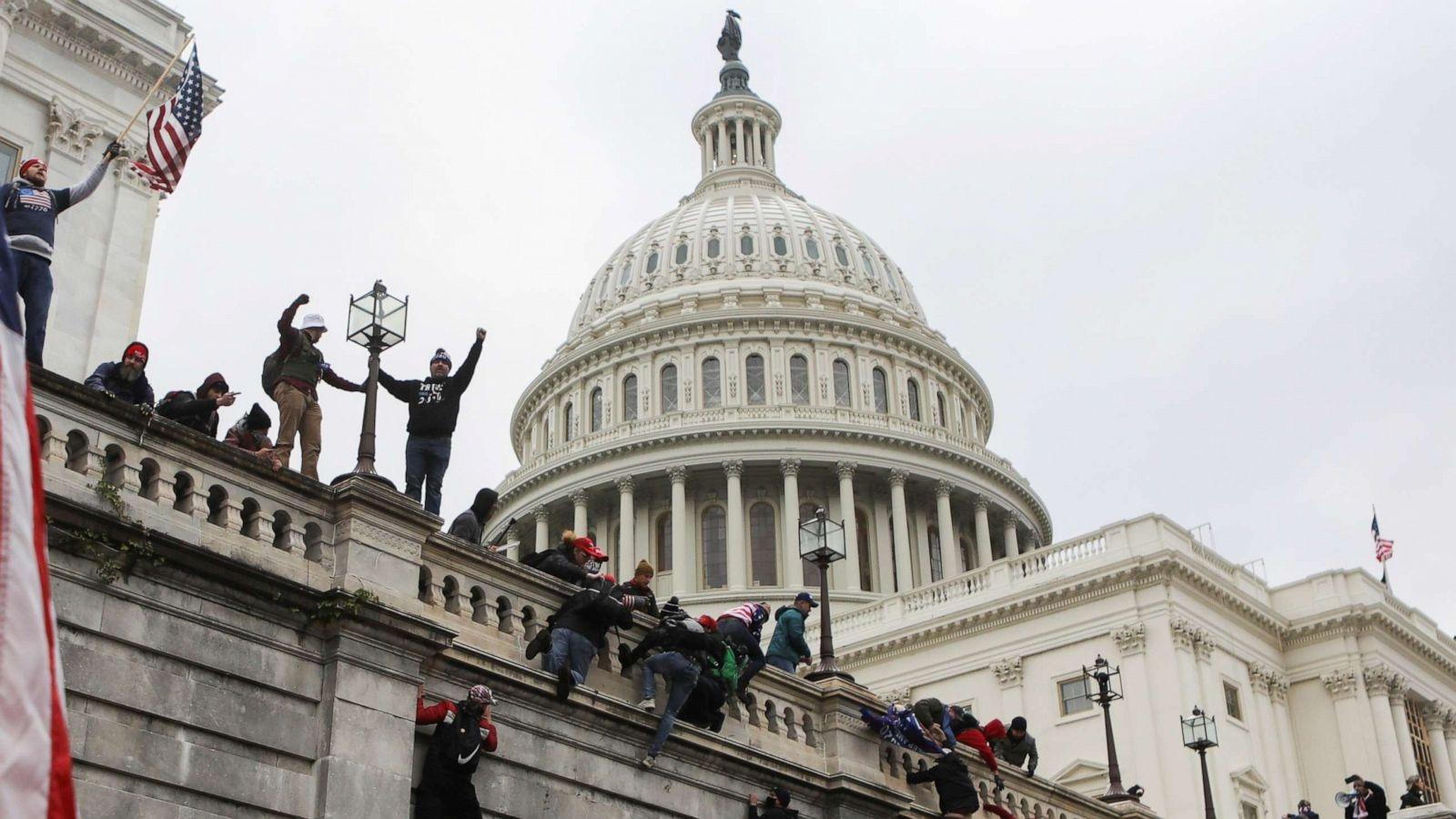 Hạ viện hối thúc ông Biden tuyên bố chủ nghĩa da trắng thượng đẳng là mối đe dọa quốc gia