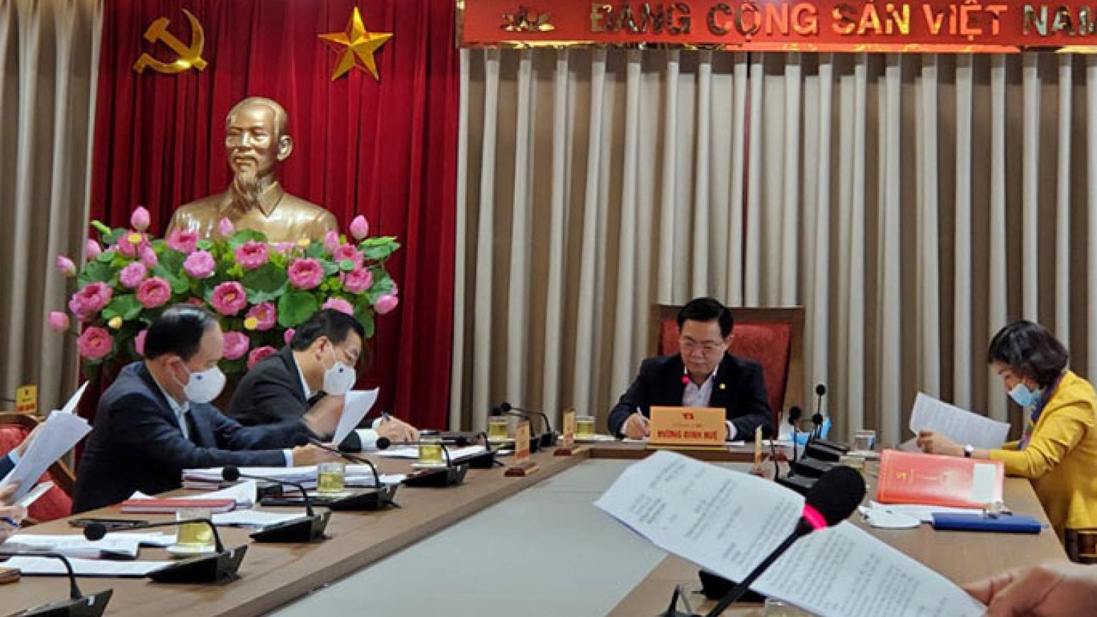 Bí thư Hà Nội: Ưu tiên ngân sách mua vaccinengừa Covid-19 cho toàn bộ người dân Thủ đô