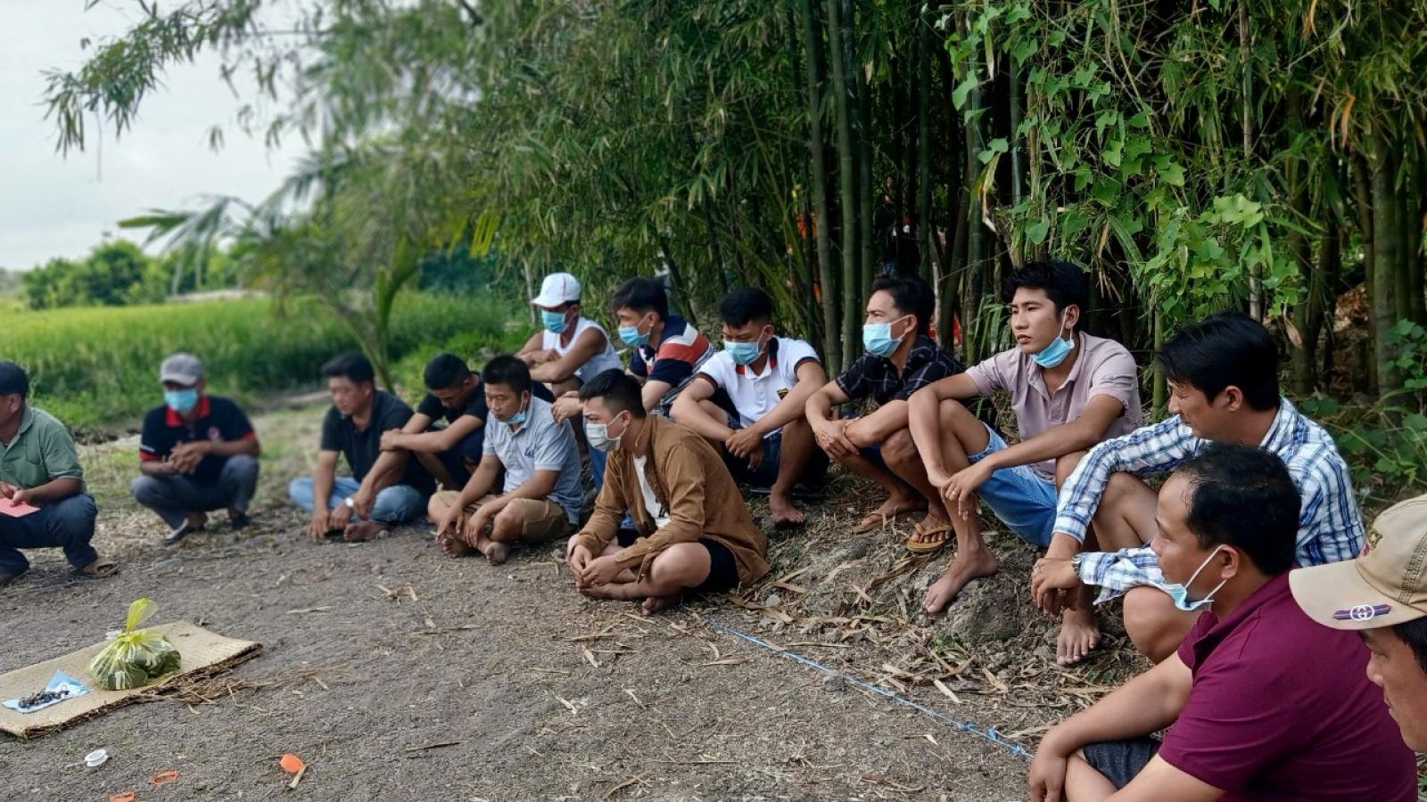 Cận Tết, Công an tỉnh Vĩnh Long bắt nhiều đối tượng đánh bạc