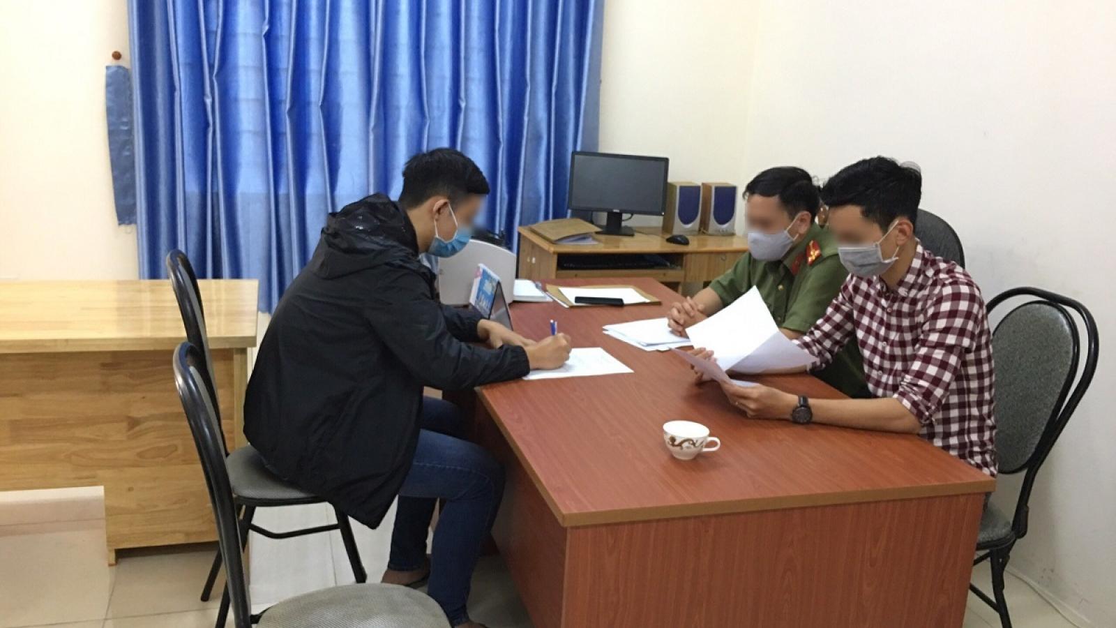 Học sinh lớp 10 chỉnh sửa văn bản hỏa tốc của UBND tỉnh Lâm Đồng