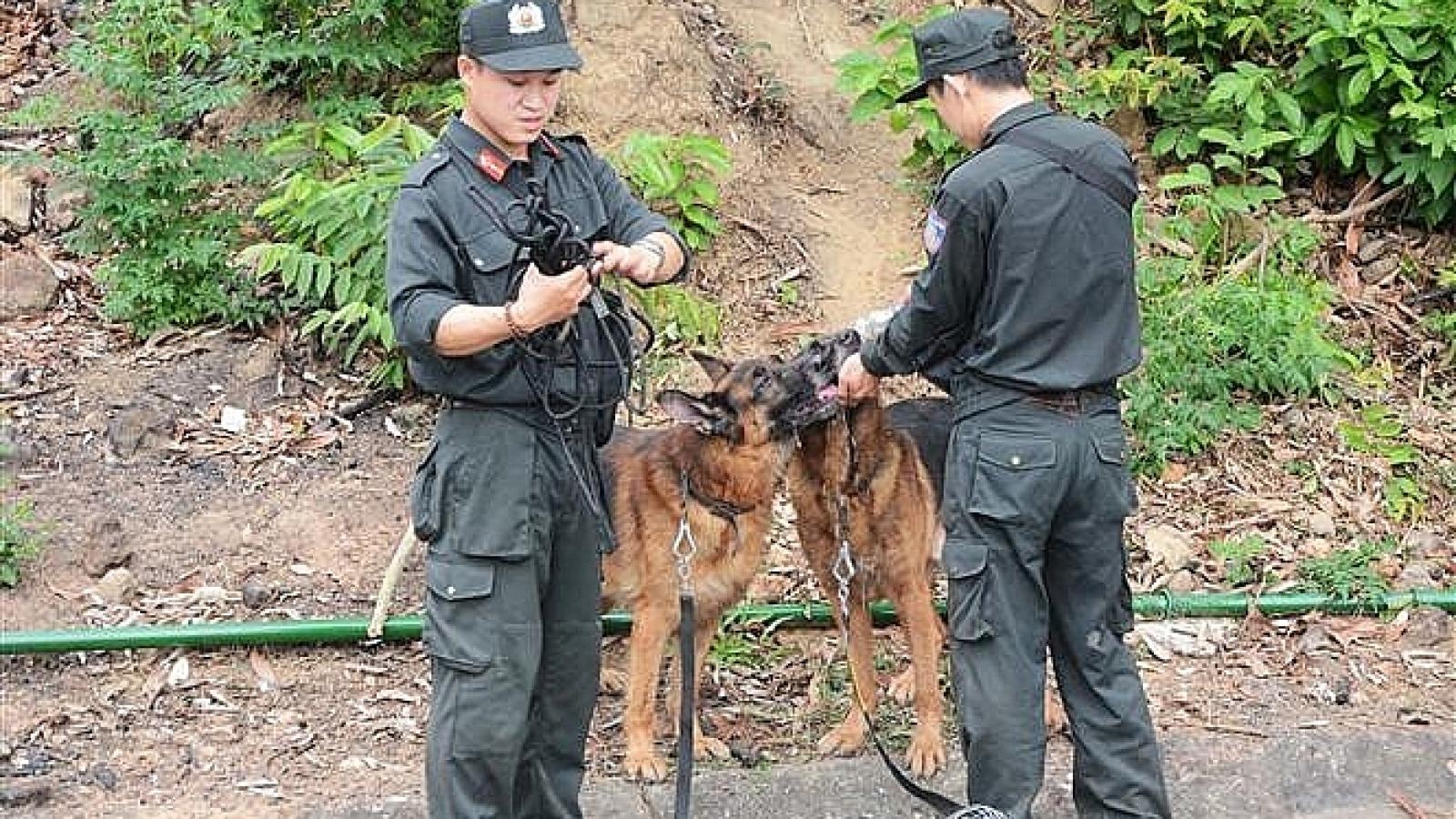 Truy bắt đối tượng chém 4 người rồi trốn vào rừng tại Lạng Sơn