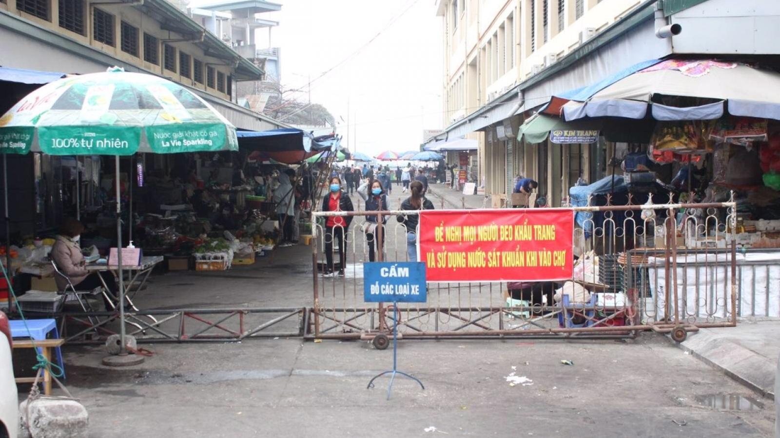 Thành phố Hạ Long gỡ dần phong tỏa các chợ, tạo điều kiện cho bà con buôn bán