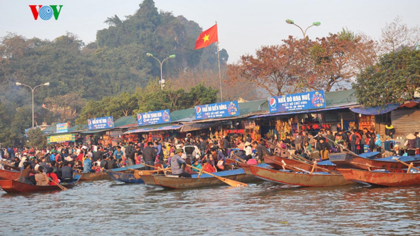 Hà Nộikhông tổ chức khai hội, đón khách chùa Hương