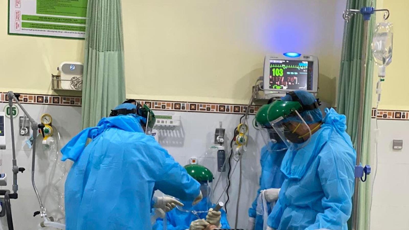 Các y, bác sĩ bệnh viện Chợ Rẫy sẵn sàng chi viện Gia Lai chống dịch Covid-19