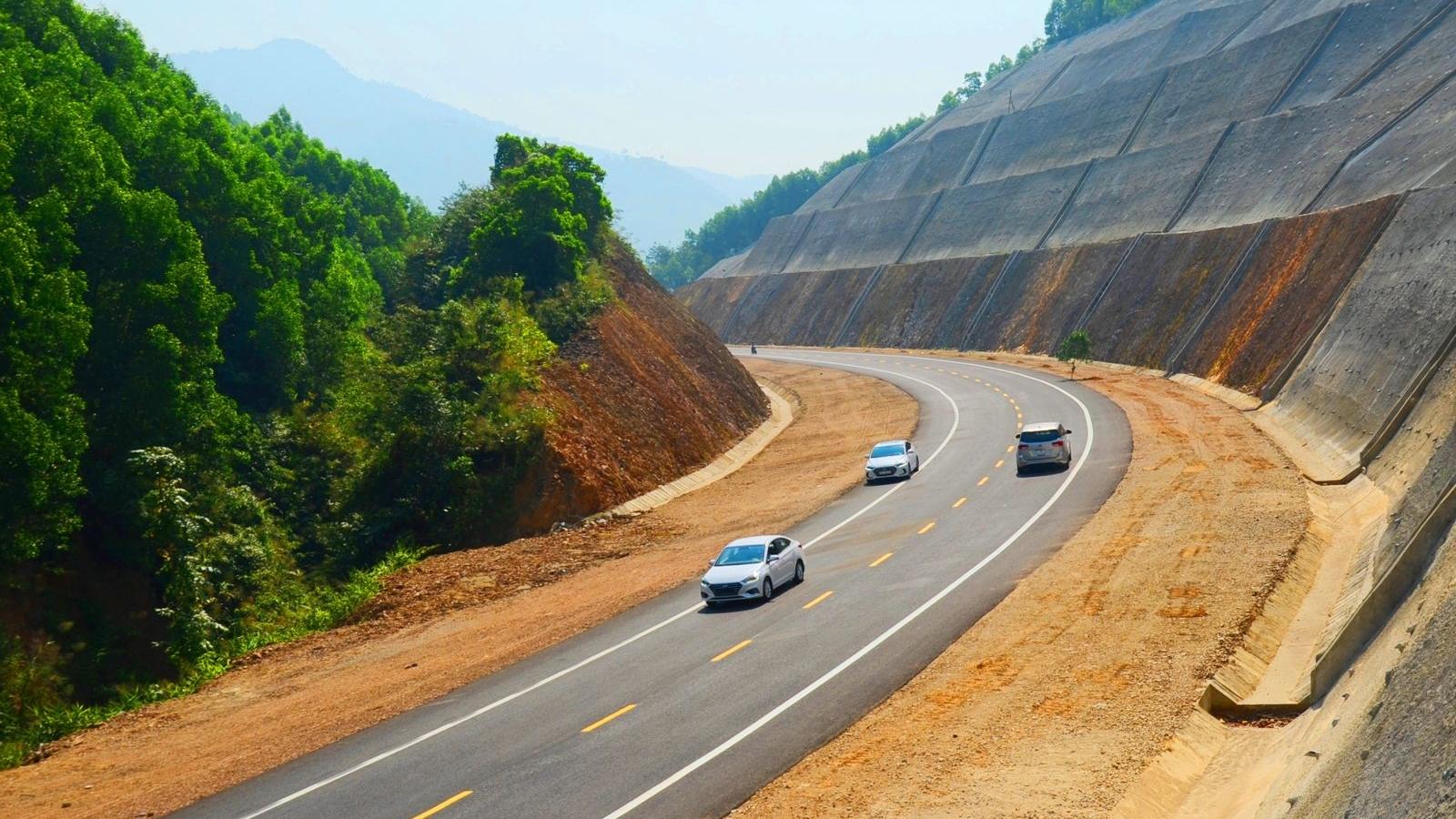 Siêu dự án cao tốc Bắc-Nam: Cú hích lớn cho chuyển đổi cơ cấu kinh tế