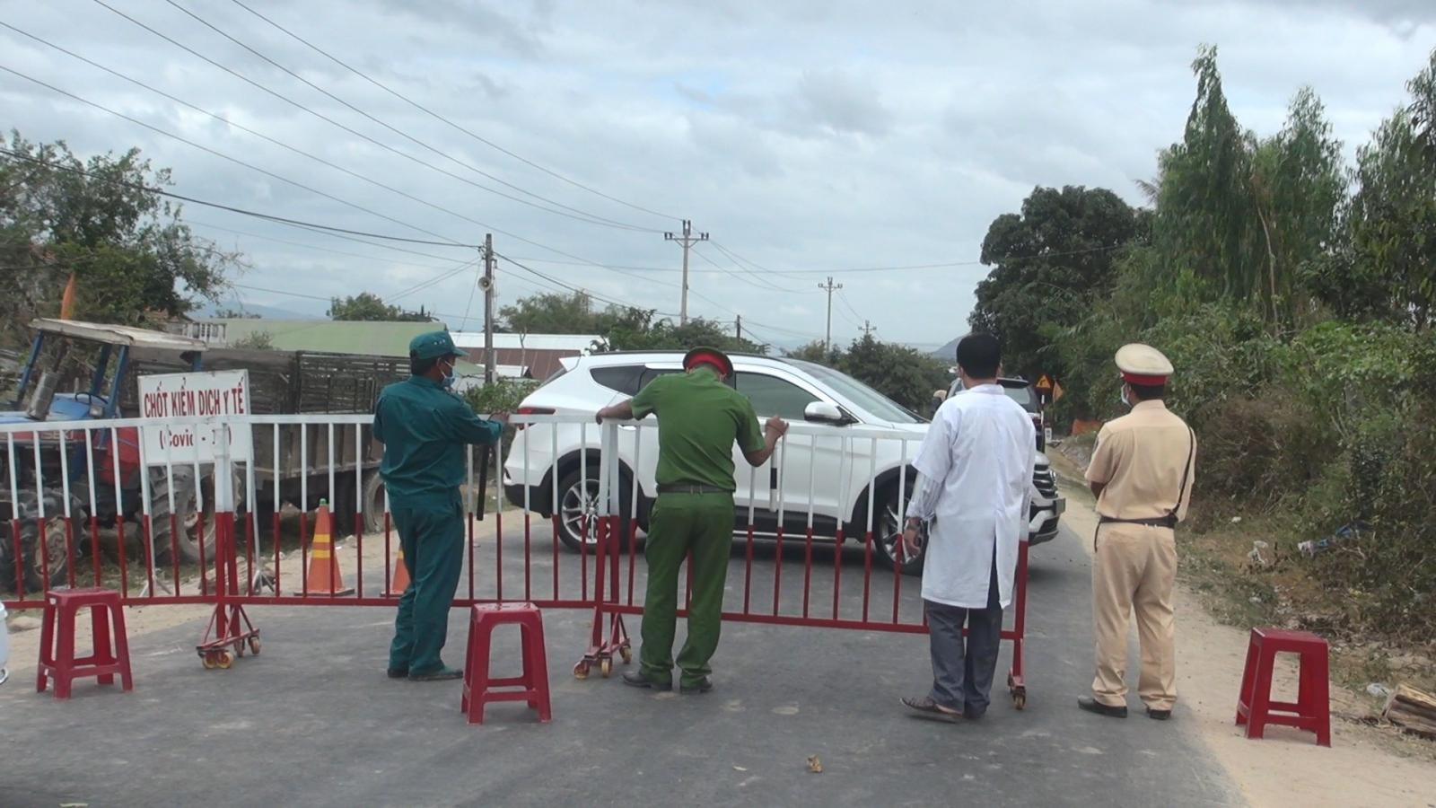 Phú Yên lập chốt, quản lý chặt người từ vùng dịch Gia Lai về