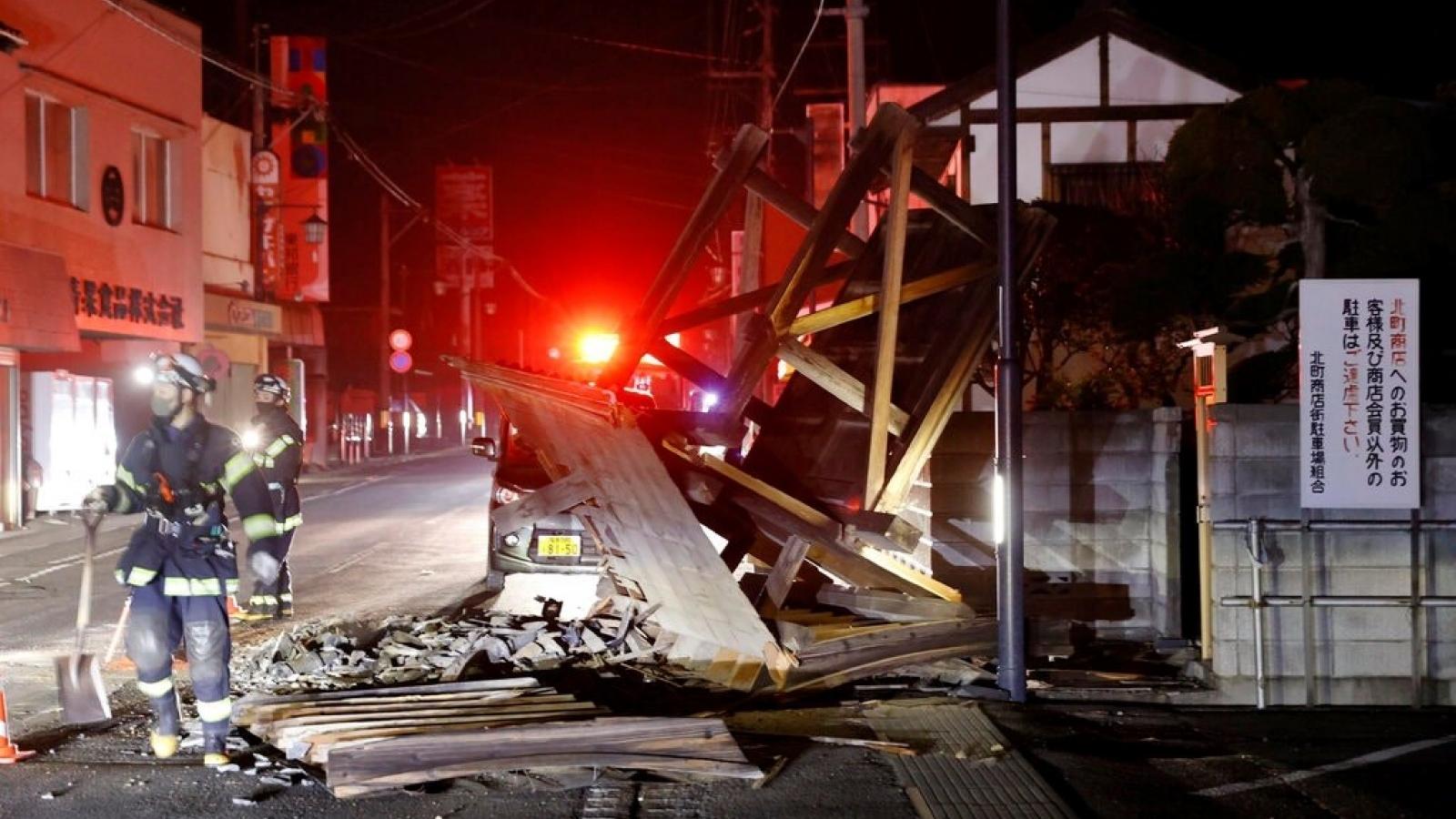 Động đất ở Nhật Bản: Ít nhất 100 người bị thương