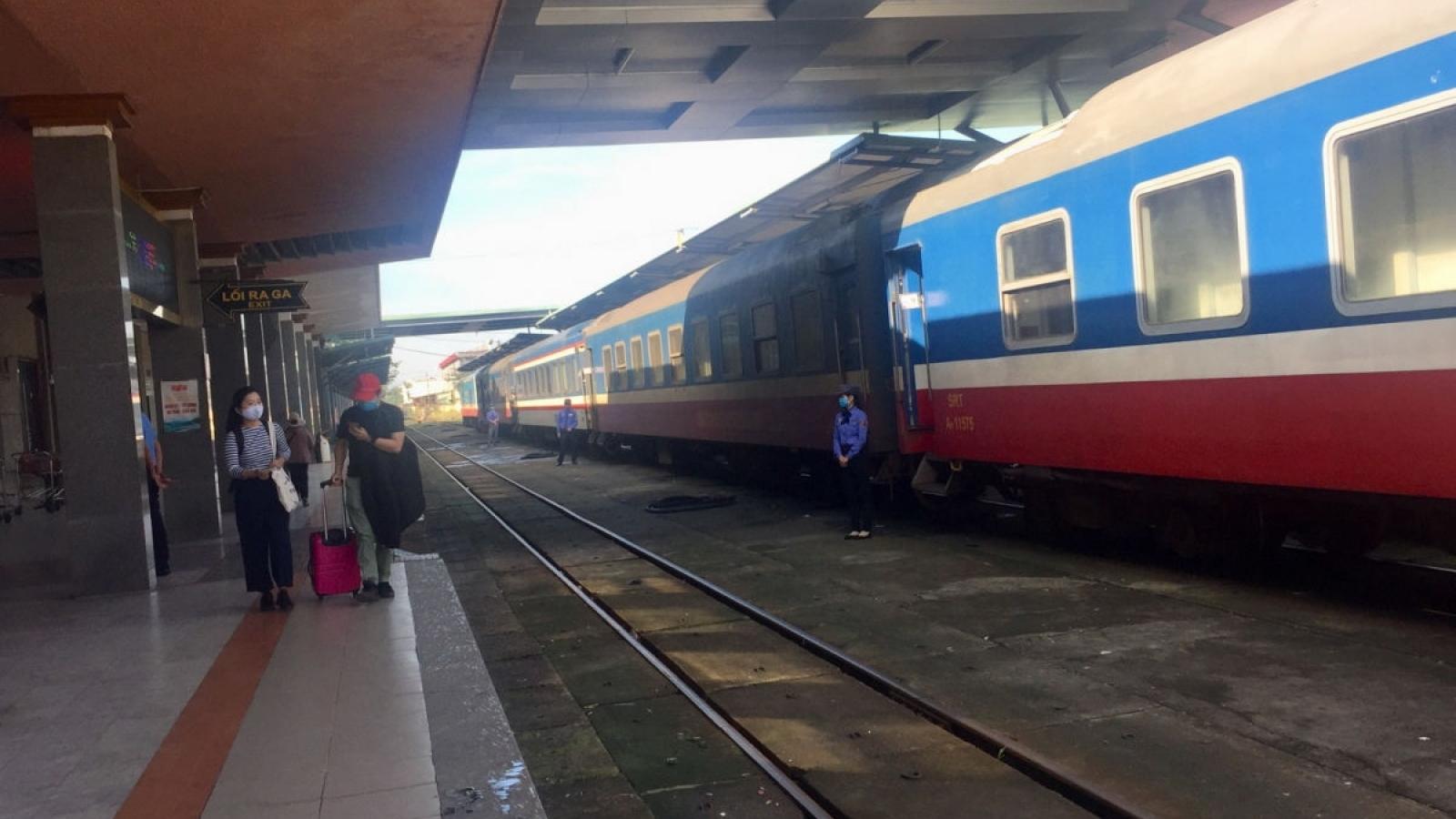 Ế khách sau Tết, ngành đường sắt cắt giảm thêm nhiều đoàn tàu để bớt lỗ