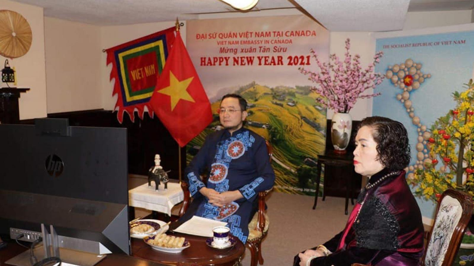 Tết Việt Nam: Cộng đồng mạnh mẽ và kiên cường