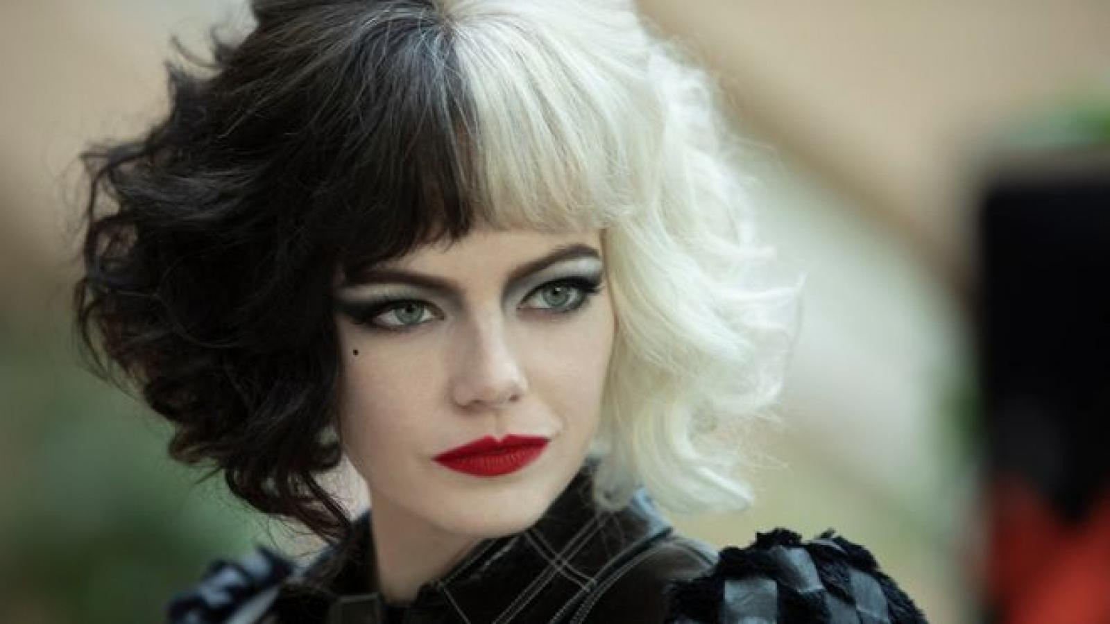 """Emma Stone """"lột xác"""" thành ác nữ trong siêu phẩm """"Cruella"""" của Disney"""