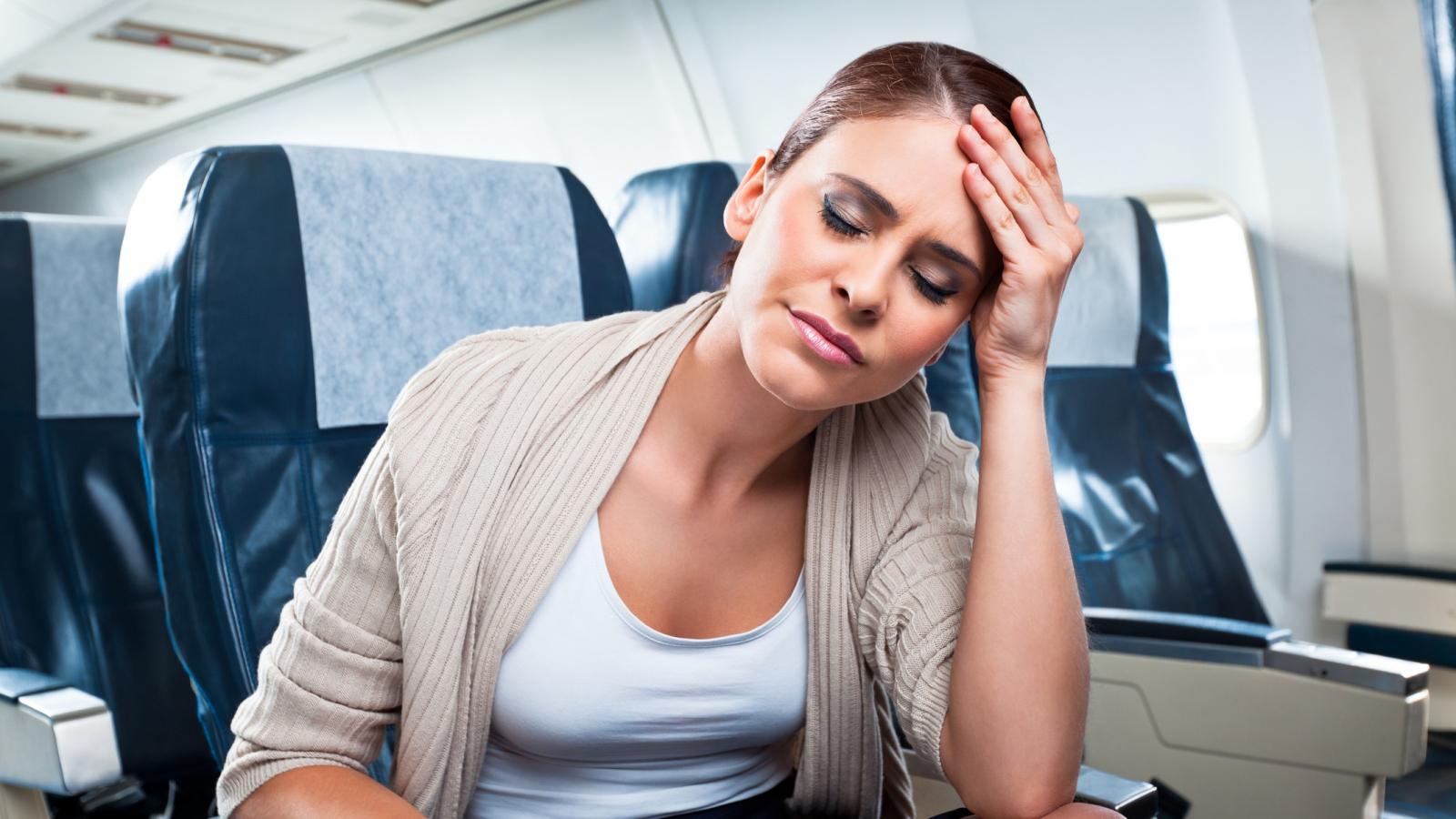 Những vật dụng cần thiết cho chuyến bay đường dài
